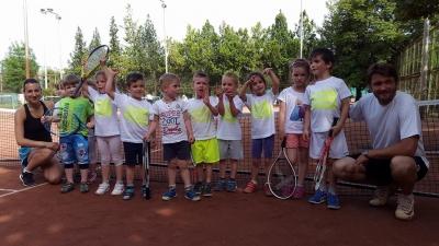 Hajnal Tenisz