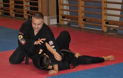 Fekete Harcos Önvédelmi SE